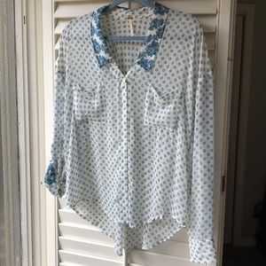 Sheer Teal & Ivory Free People button down. Sz M